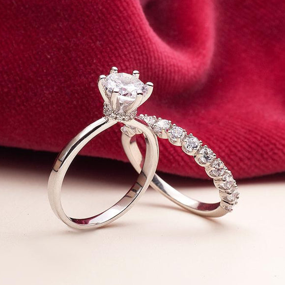 Moissanite Engagement Ring_on_finger_wedding_set