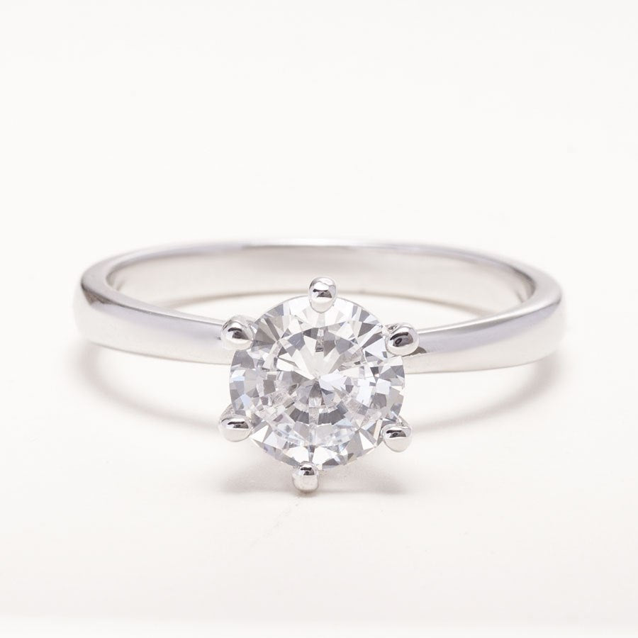 Simple Engagement Ring_photo