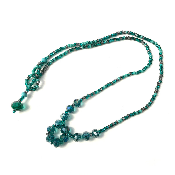 Beaded small crystal circles necklace handmade in Guatemala