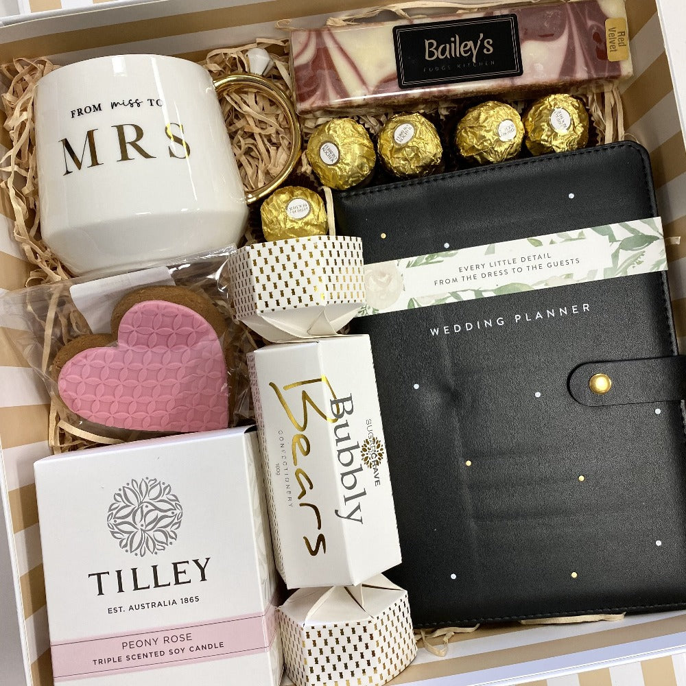 bride to be gift pack