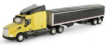 1.32 Peterbilt 579 Semi W/Grain