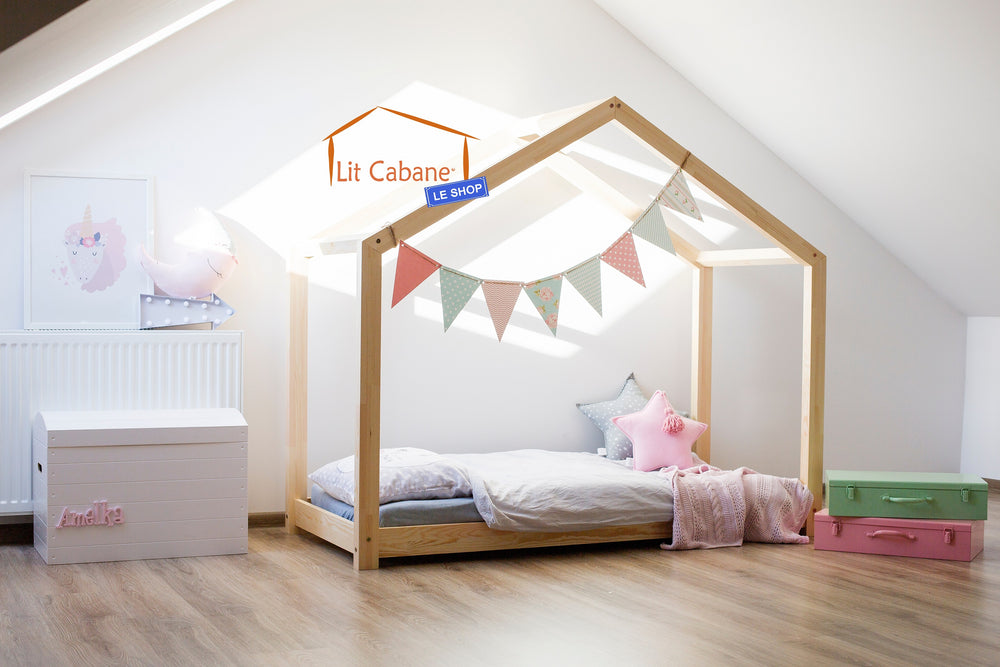 lit cabane en bois free cabane en bois fille lit cabane a. Black Bedroom Furniture Sets. Home Design Ideas