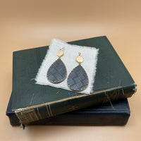 basket weave teardrop earrings (grey)