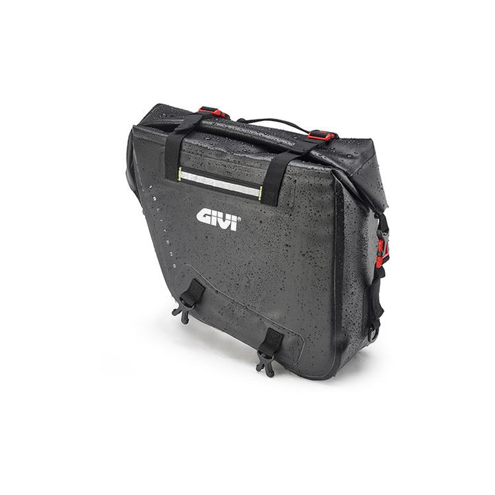 givi-grt718-motorcycle-saddlebags-wet