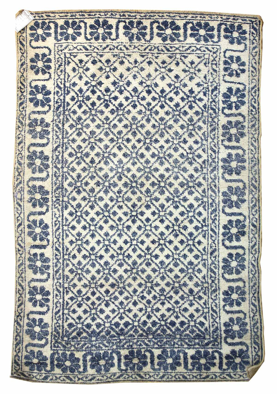 LATTICE HANDKNOTTED RUG, J41709