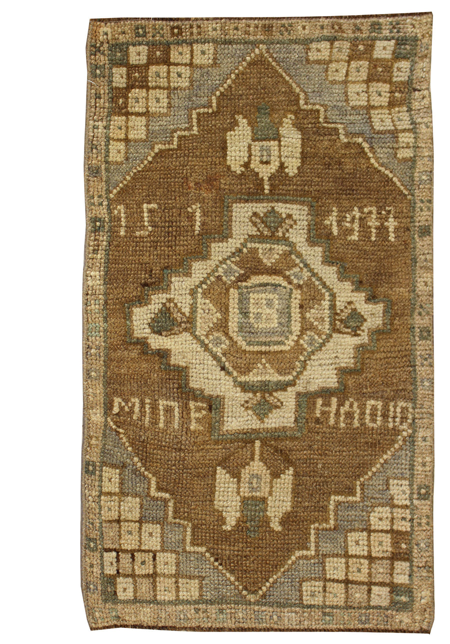 YASTIC HANDKNOTTED RUG, J57025