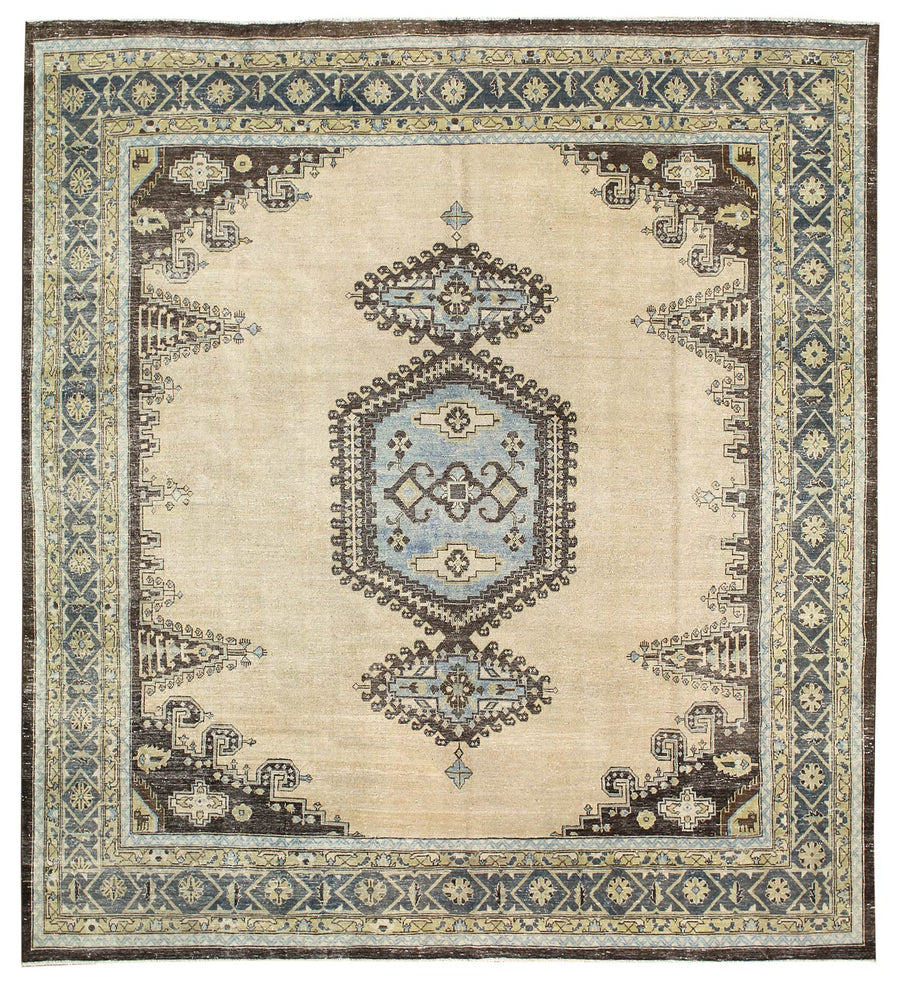 VECCE HANDKNOTTED RUG, J58599