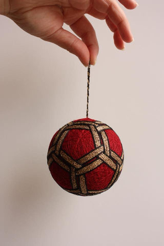 Golden Chains Temari by the San Francisco School of Needlework