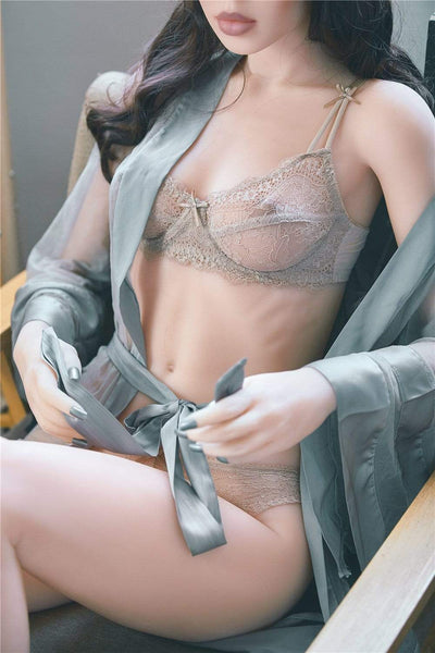 Sex doll asiatique IronTech 165 cm bonnet A - Akisha l'intello dévergondée