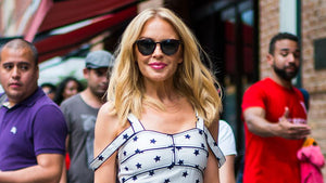 Stunning with 50! Kylie Minogue convinces in summer dress