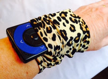 Load image into Gallery viewer, Arm/Leg Pocket for Dexcom/Omnipod/Insulin Pump/Smartphone w/optional window-Cobalt Blue