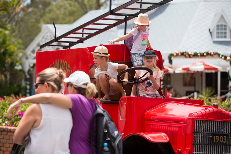 Dreamworld Reopens Six Weeks After Fatal Ride Accident