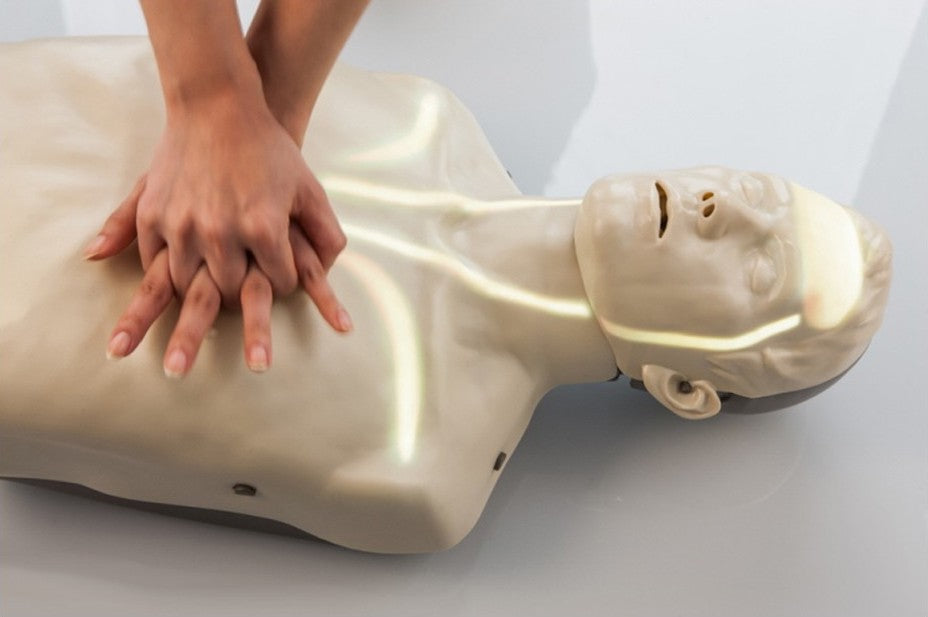 AER00487_Brayden_CPR_Manikin_With_Illumination_In_Use.jpg