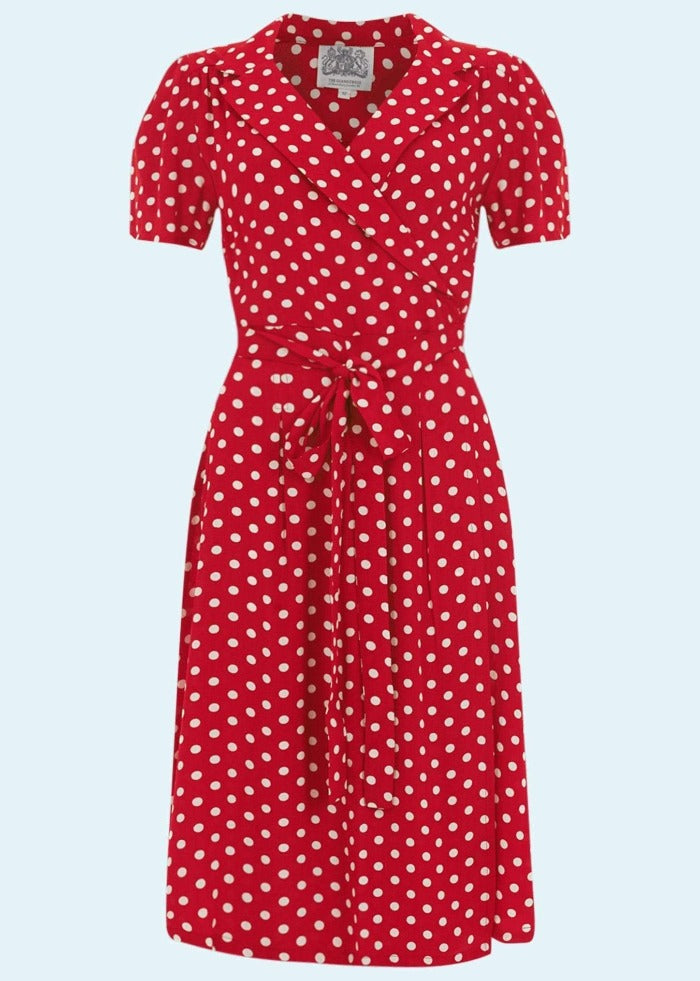 Bloomsbury: Wrap dress in red with dots toej Mondo Kaos