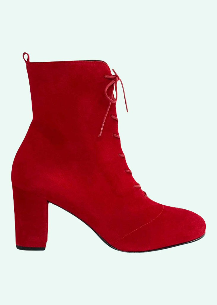 Nordic ShoePeople: Liva 19 boots in red suede