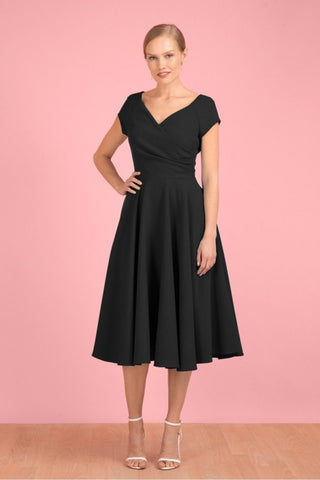 products/pretty-dress-company-1950er-hourglass-swingkjole-i-sort-toej-mondo-kaos-159385.jpg