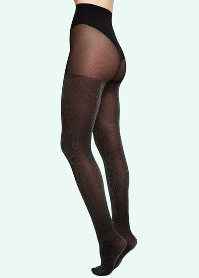 Swedish Stockings: Lisa Lurex Rib tights i sort med sølv glimmer 50 denier toej Mondo Kaos