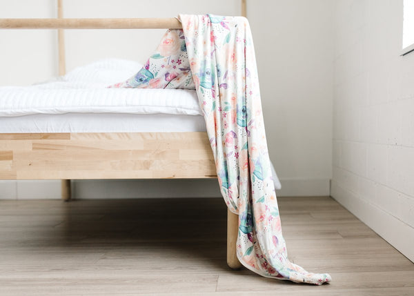 Bloom 3-Layer Jumbo Stretchy Quilt