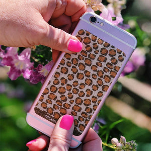 Cheetah inspired cell phone grip