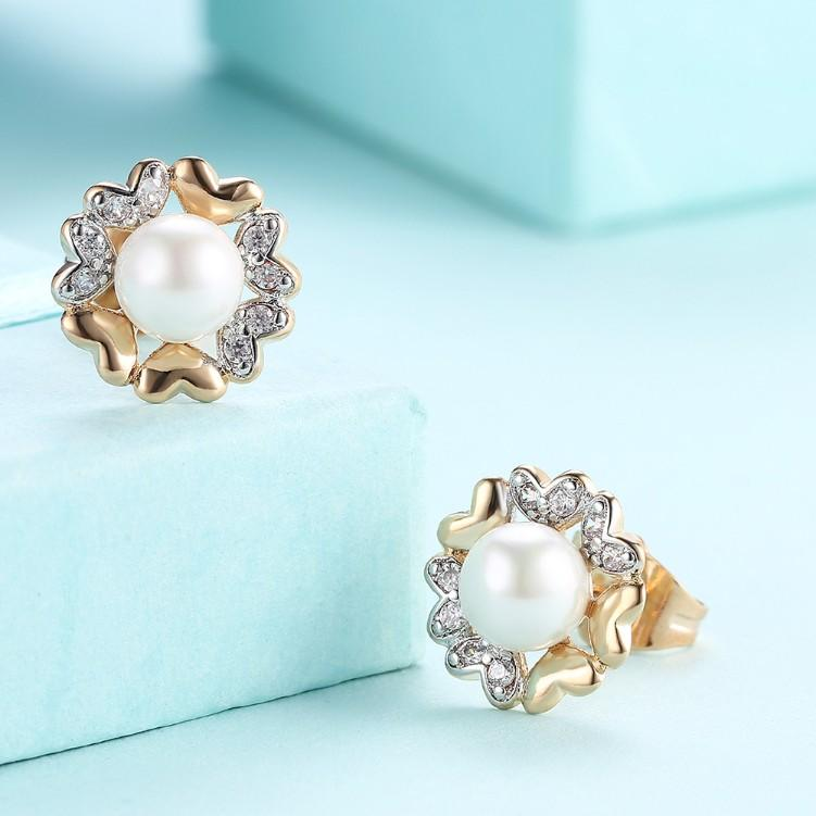 Swarovski Crystal Heart Shaped Circular Pearl Stud Earrings Set in 18K Gold