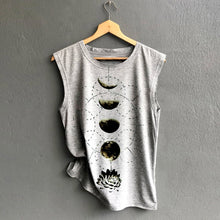 Charger l'image dans la galerie, The Moon Sleeveless T-Shirt