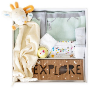 Don't want to go for the traditional pink and blue baby gifts then look no further than this luxurous collection which highlights mint green. The bamboo blanket feels like silk to touch and will not disappoint. Wrapped in a personalised baby gift box with the babies name.  .