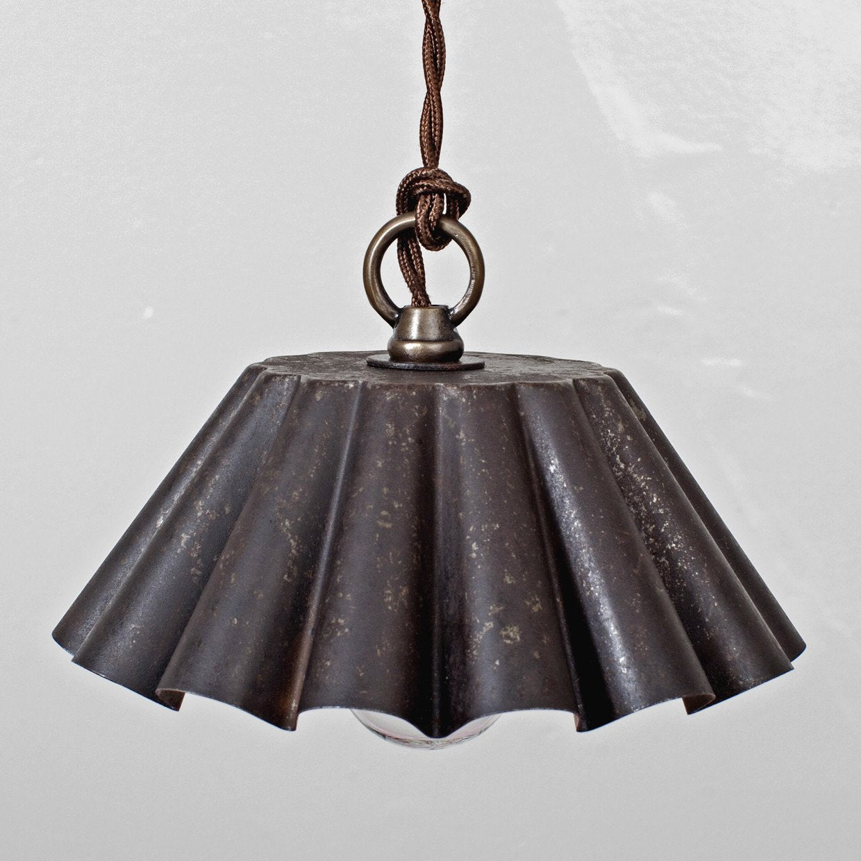 Brioche Tin Pendant - Ebonized Rust