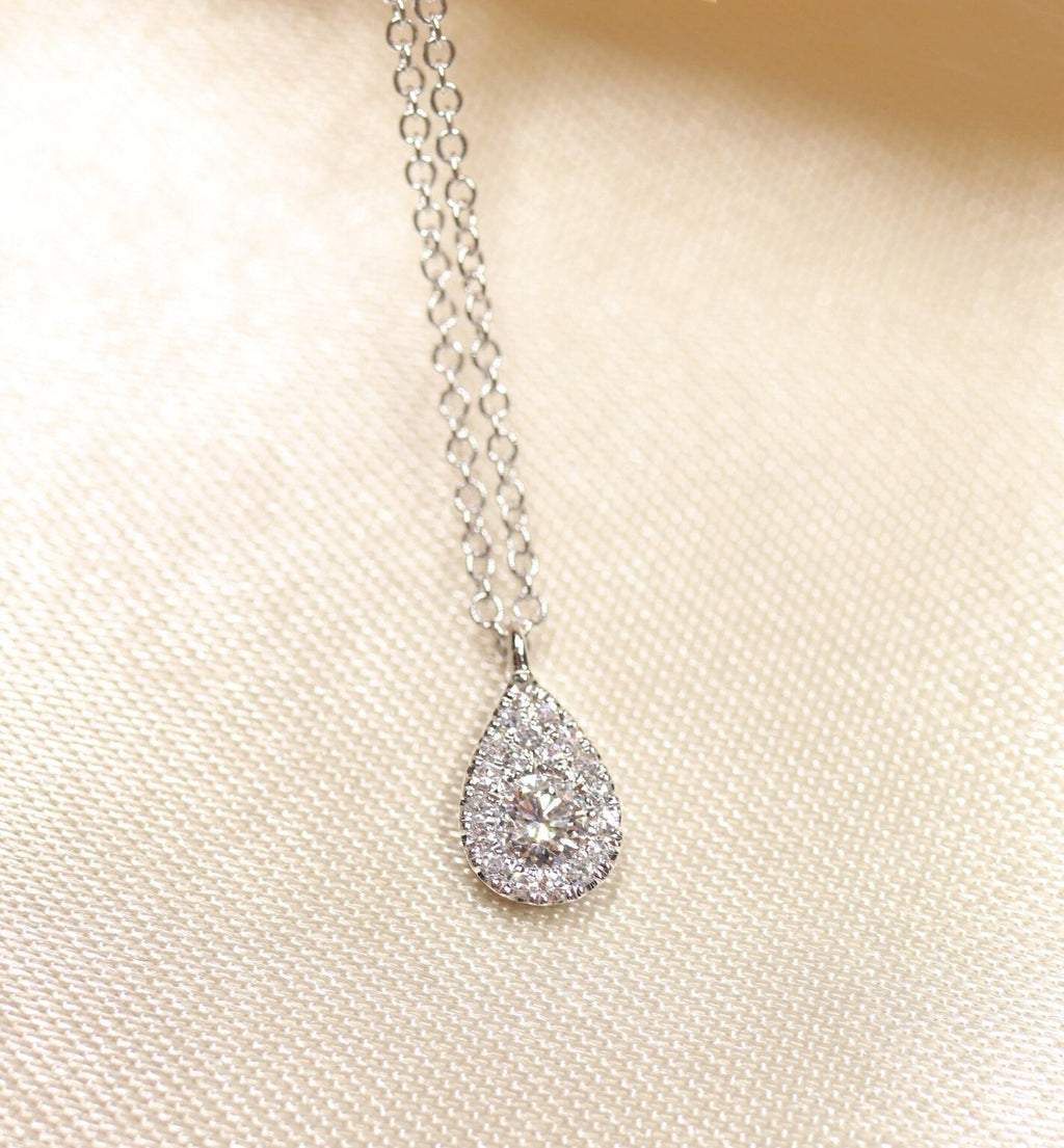 14K Gold  Pear Shape Diamond Necklace - Ice Motif