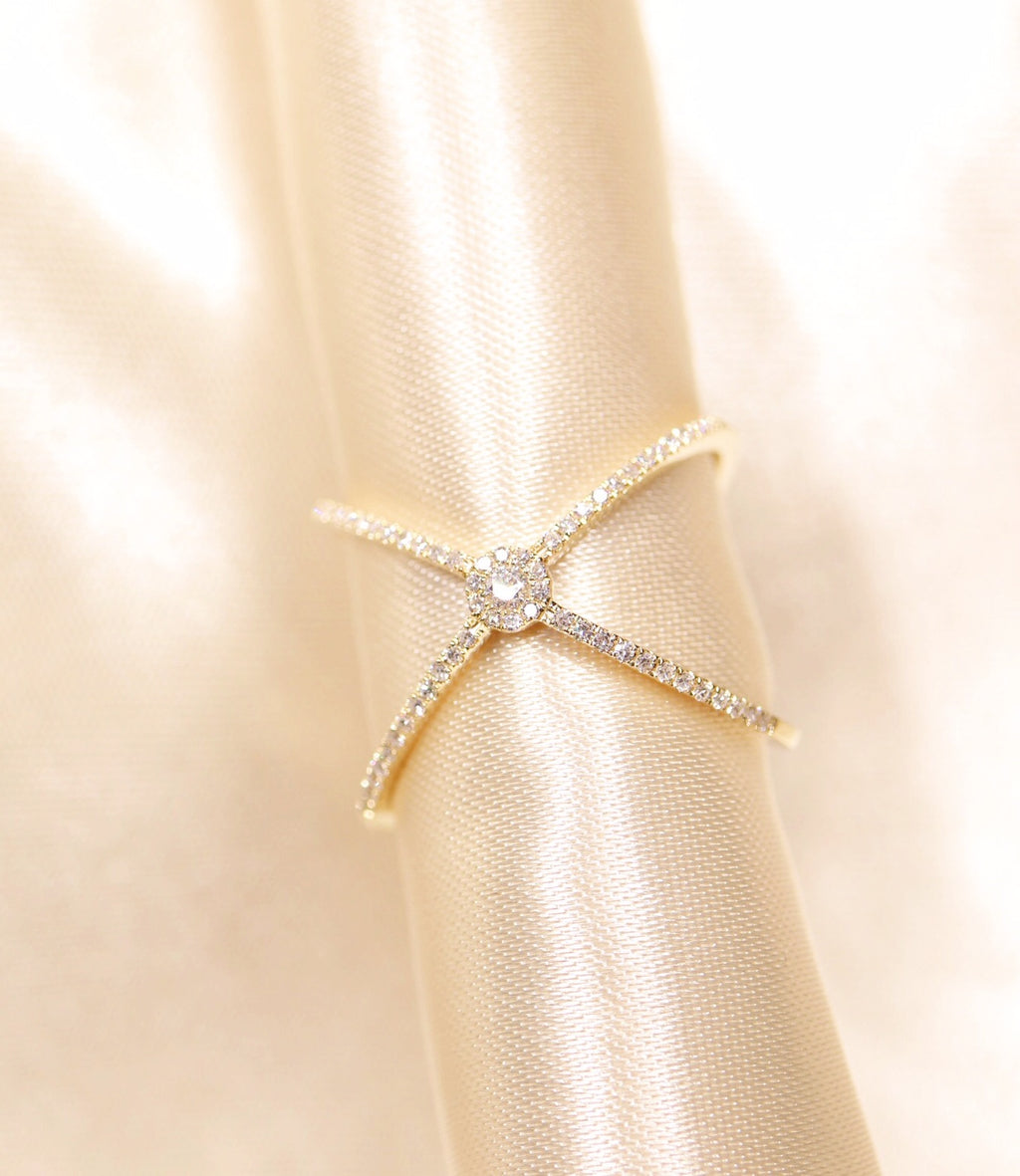 "14K Gold Halo Diamond ""X"" Ring - Ice Motif"
