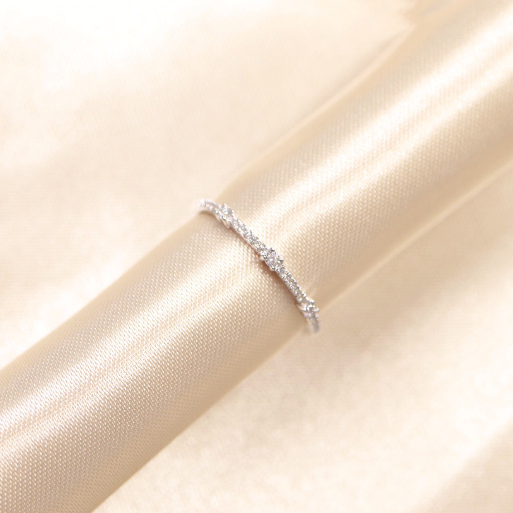 14K White Gold Staking Diamond Band - Ice Motif