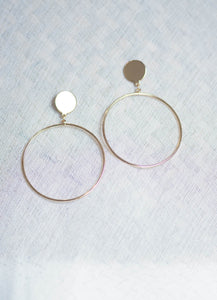 Big Ring Earring in Gold