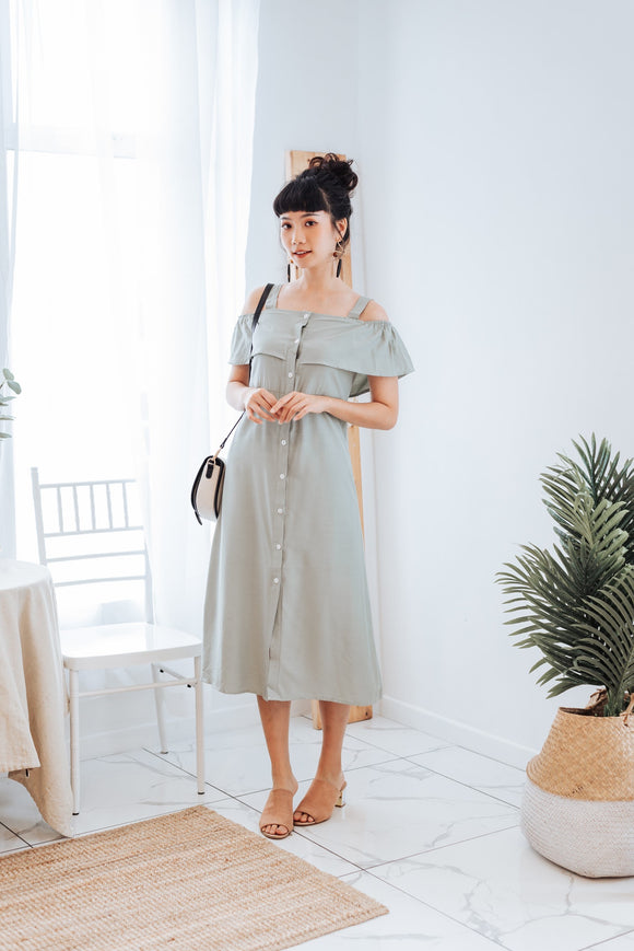 Maddem Off-shoulder Dress in Mint Green