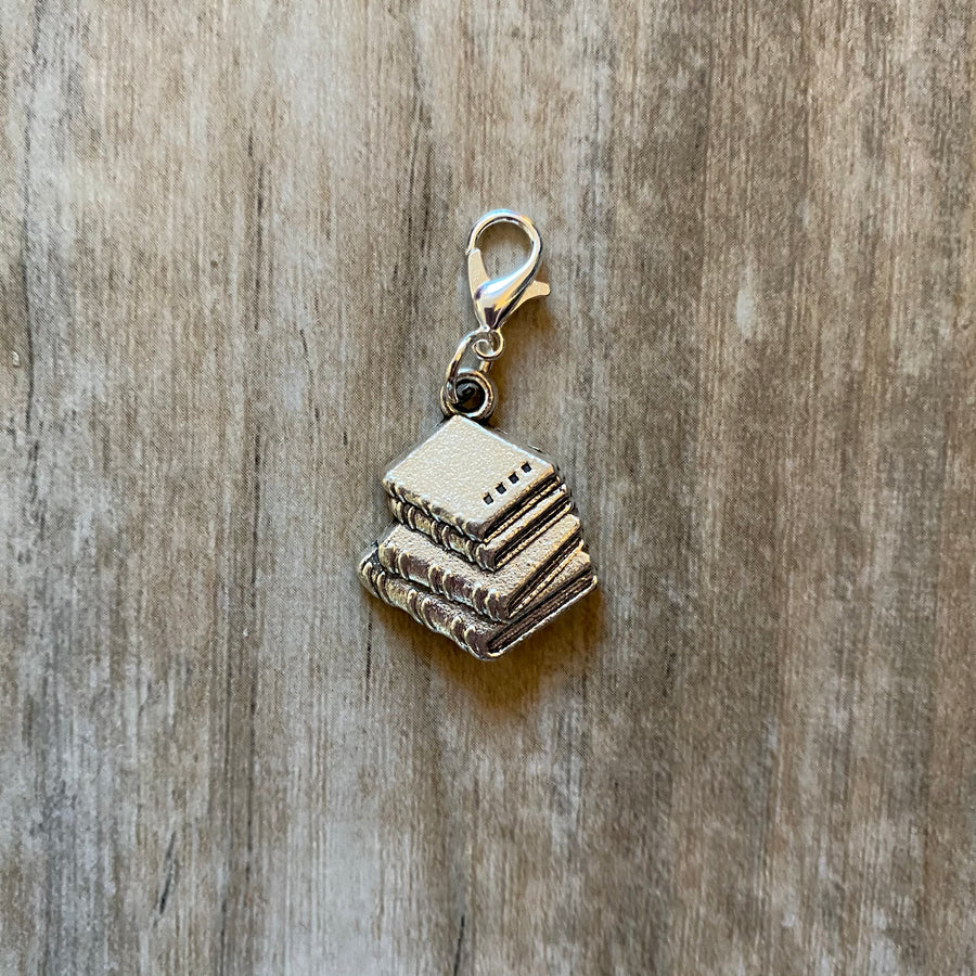 Books Zipper Pull