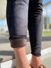 Load image into Gallery viewer, Fleece lined leggings ( 2 Styles )