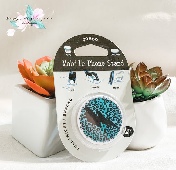 Leopard and lightning phone grip and stand