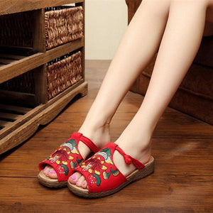 Embroidery Pattern National Wind Hollow Out Slip On Flat Slippers