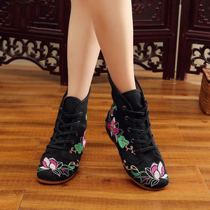 Autumn and Winter Embroidered  National Wind Cloth Boots