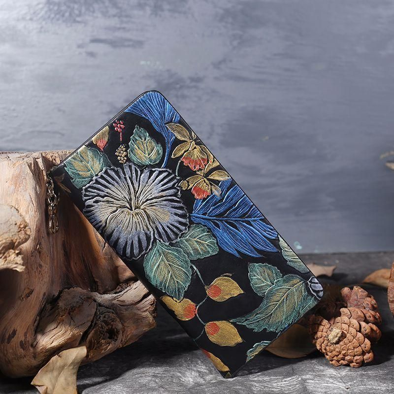 Women's Vintage Ethnic Style Hand-Painted Zipper  Wallets