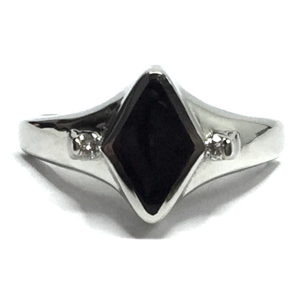 BLACK ONYX DIAMOND SHAPE INLAID & .05CTW DIAMOND RING