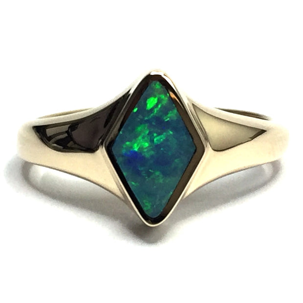 FINE QUALITY OPAL DIAMOND SHAPE INLAID RING