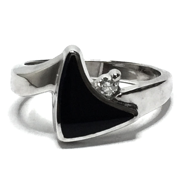 ONYX INLAID SAIL DESIGN .04ctw DIAMOND RING