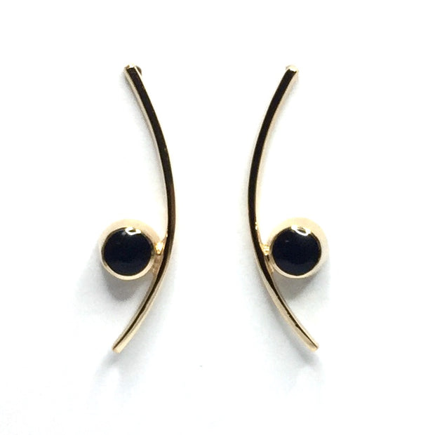 OYNX ROUND INLAID CURVED BAR EARRINGS