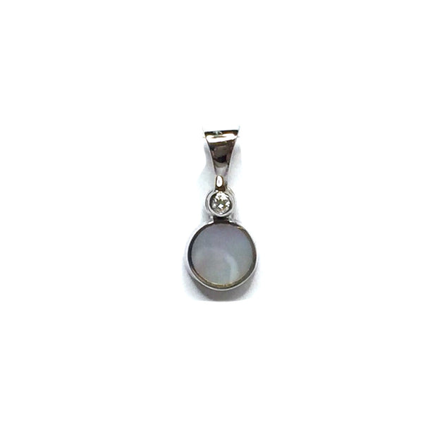 MOTHER OF PEARL ROUND INLAID .02ct DIAMOND PENDANT