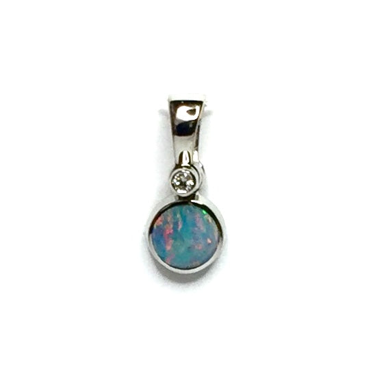 FINE QUALITY NATURAL OPAL ROUND INLAID AND .02ct DIAMOND PENDANT