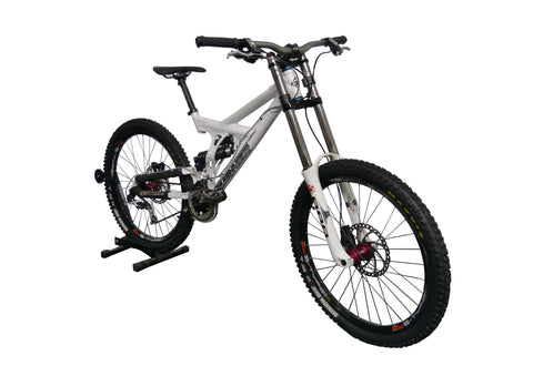 DOWNHILL Turner Bike