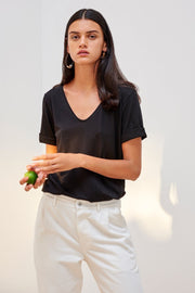 V Tee | Black - Kowtow | Ecoture