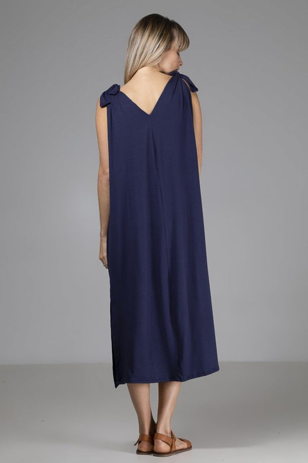 Modern   Relaxed Eco-Luxury Women s Fashion - Indecisive  c1f602fdf