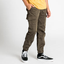 Henleys Men Jacob Pants in Dark Forest