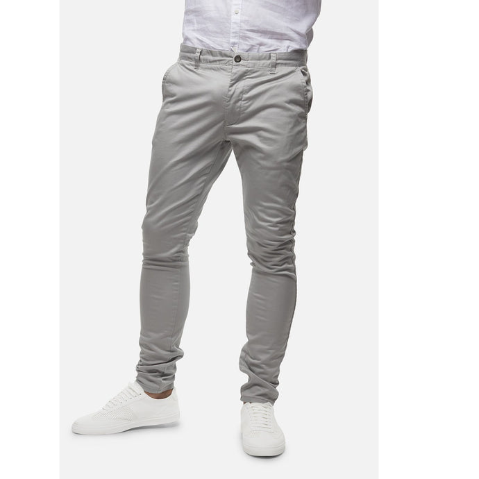 Industrie Men The Cuba Chino Pants in Cement