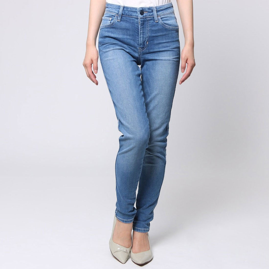 Guess Women 1981 Skinny Jeans in Sky Blue Wash